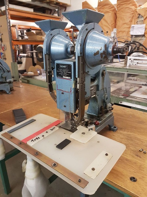 Secondhand press stud machine