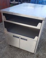 Stainless Steel Centre Island / Preparation Work Station