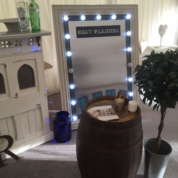 Magnetic seat planner wedding