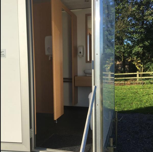 Solar charging toilet trailer for sale