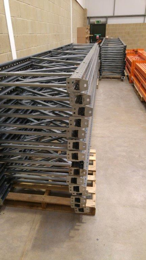 Dexion pallet racking uprights