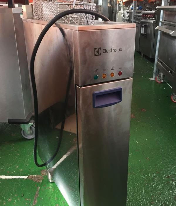 Electrolux Single Electric Fryer EXFREB1BWQ