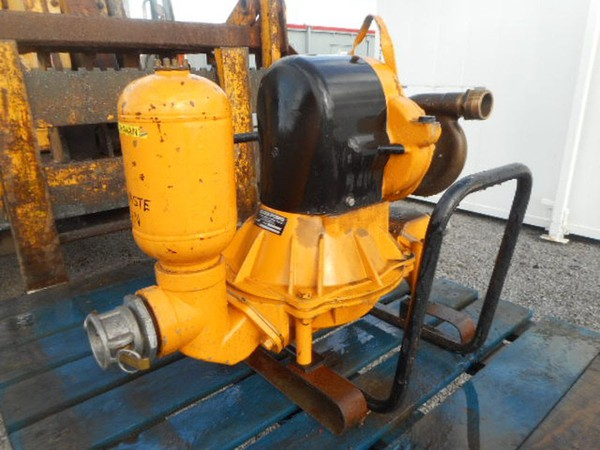 Second hand diaphragm pump