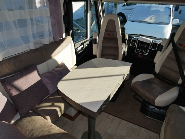 2 berth A-Class with 4 travelling seats