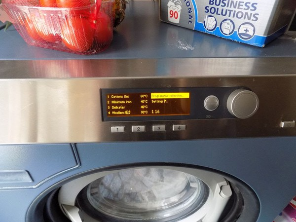 Secondhand washer extractor for sale