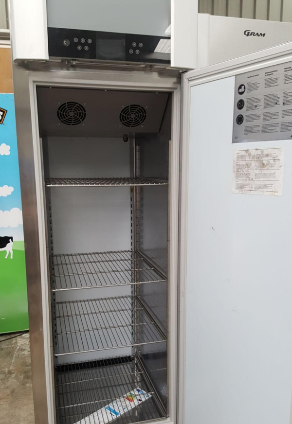 Heavy duty commercial fridge UK