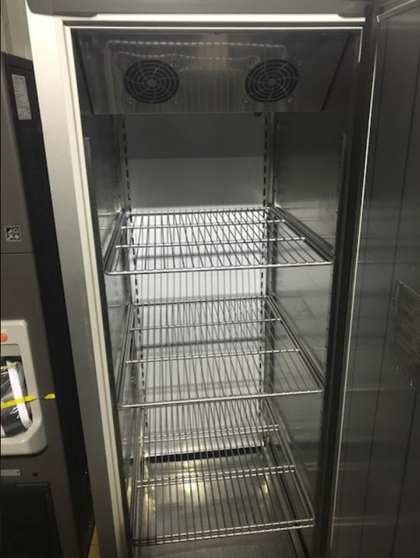 Commercial single door fridge