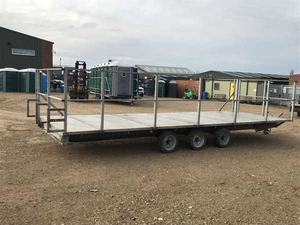 Tri axle trailer for sale