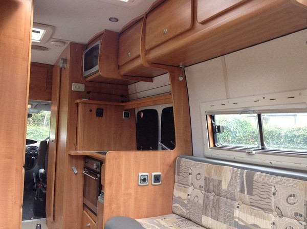 Self contained 2 berth camper for sale