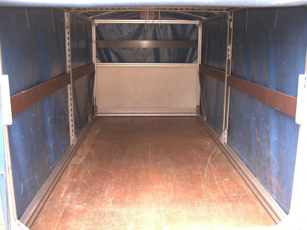 Covered trailer - twin axle