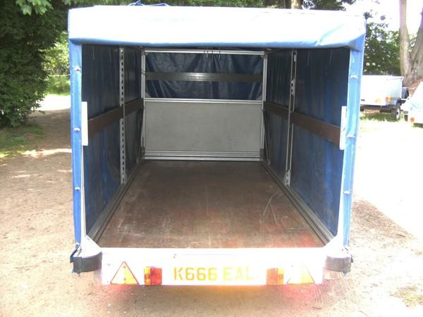Curtain side trailer