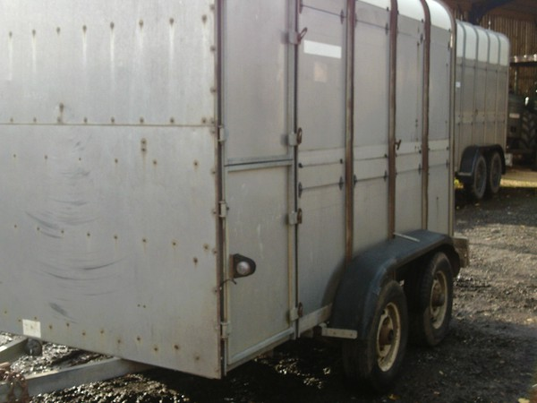 10' ifor williams livestock trailer with folding decks