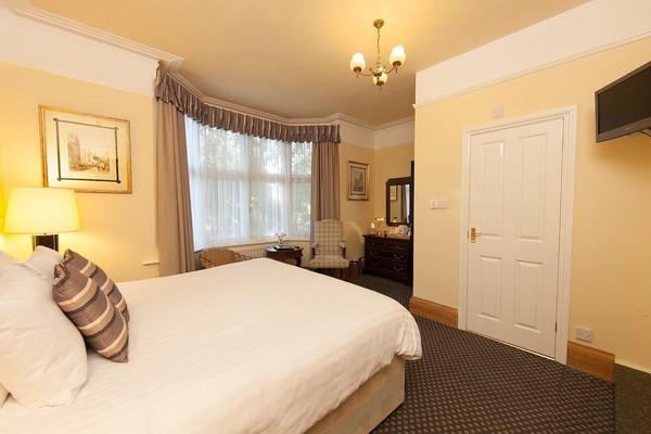 Buy Used 5 star bedroom sets