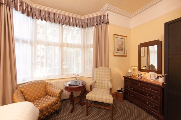 ex hilton, ex copthorne bedroom sets