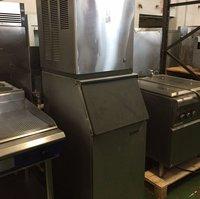 Scotsman CME456AS-6C Ice Machine on Scotsman BH360S Ice Bin-480lbs production per 24hrs!!