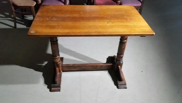 Pedestal table UK