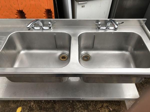 Left hand drainer sink