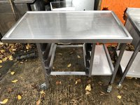Stainless steel dump table