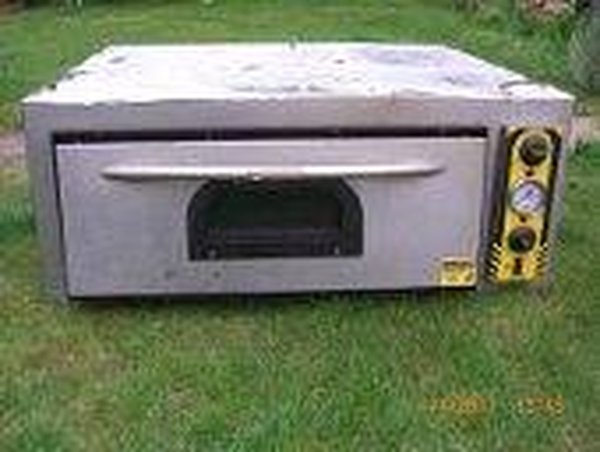 Pizza Oven  Model No PA108015