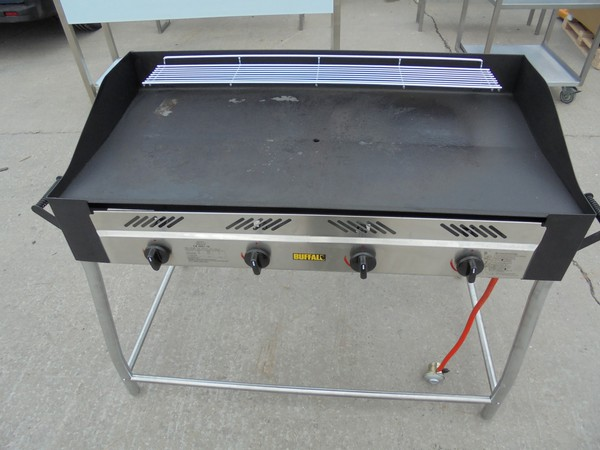Buffalo GL179 LPG Freestanding BBQ (5998)