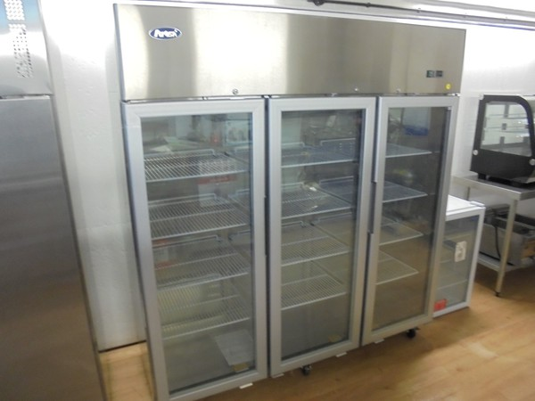 Upright commercial fridge for sale