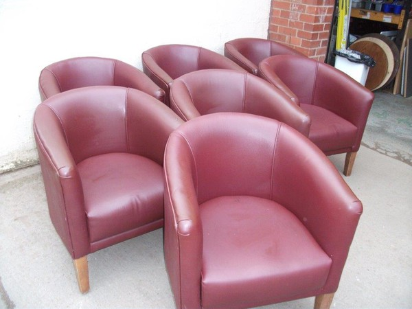 7x Red Tub Chairs (CODE TUB 261)