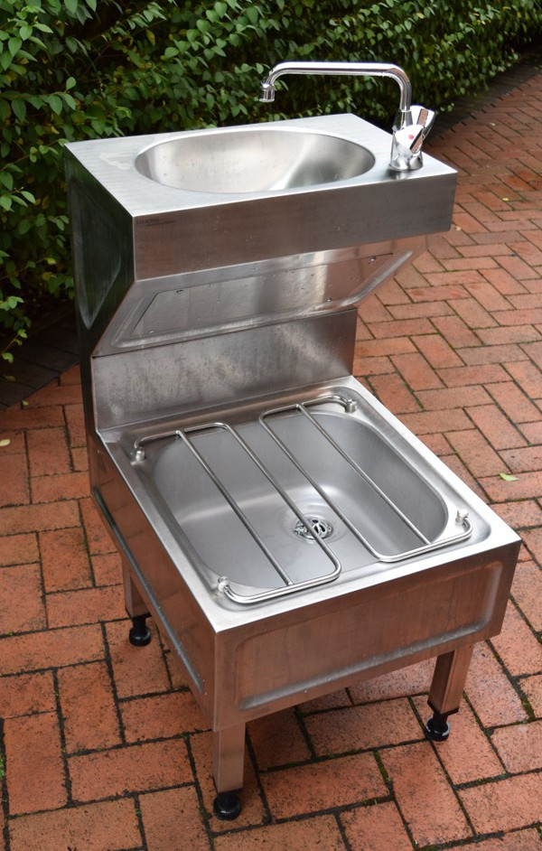 Steel bucket sink