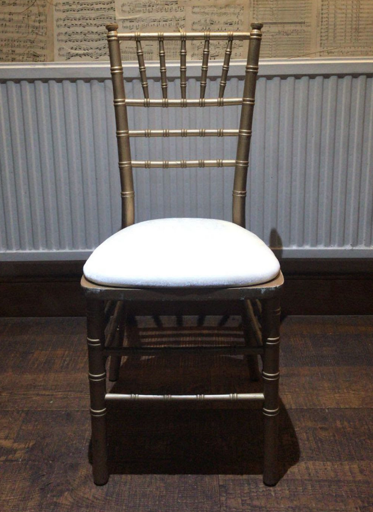secondhand chairs and tables chivari and camelot banqueting chairs