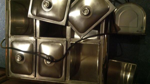 Removable six pots