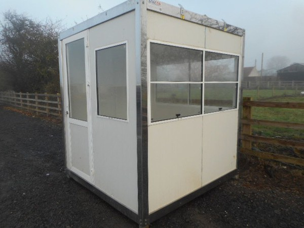 Gate house ticket office