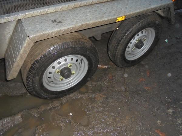 2600kg plant trailer