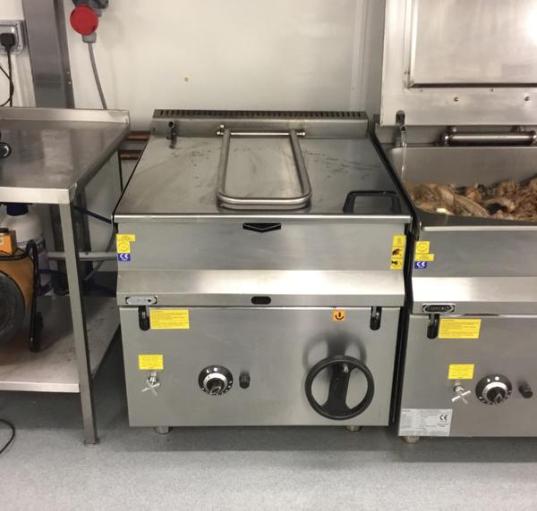 Commercial bratt pan