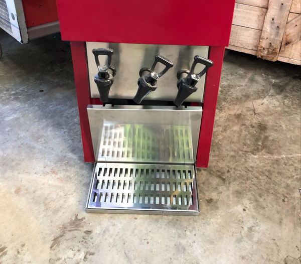 Commercial wine dispenser