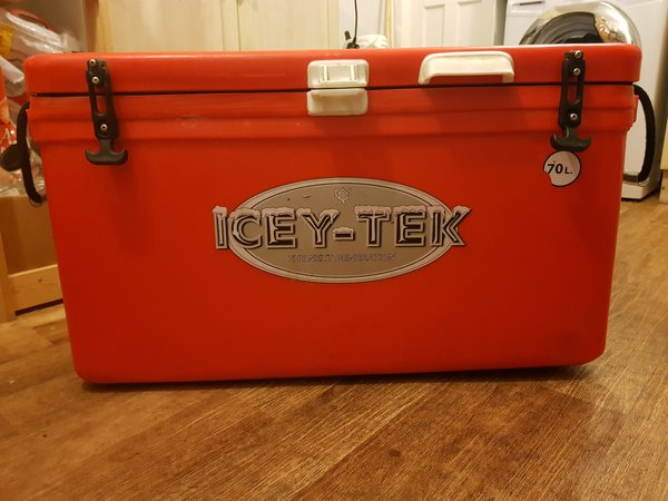 Icy cool box for sale