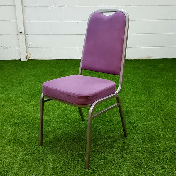 Used aluminium stacking chairs