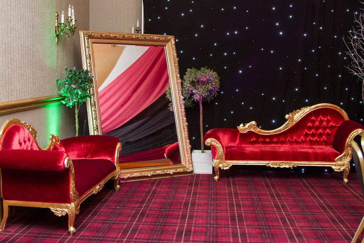 Cool 2X Red Velvet Chaise Longue Brighton East Sussex Gmtry Best Dining Table And Chair Ideas Images Gmtryco