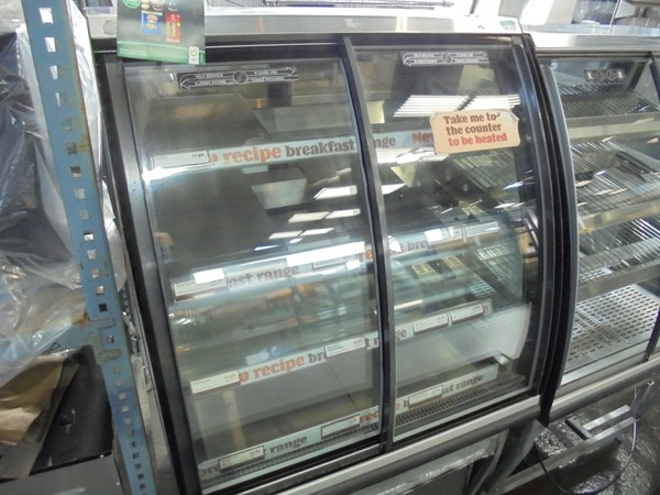 Used FPG ILC BP UK 800 Freestanding Chilled Display / Chiller Fridge Serve Glass Pie Cabinet Cold (6140)