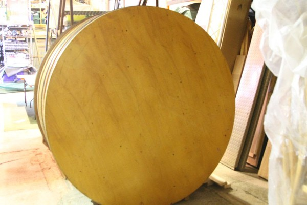 Round folding tables for sale