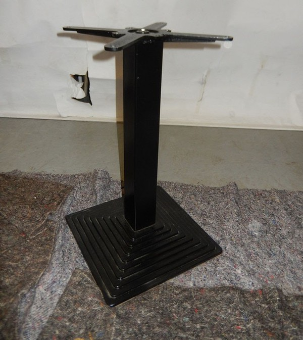 Cast iron pedestal