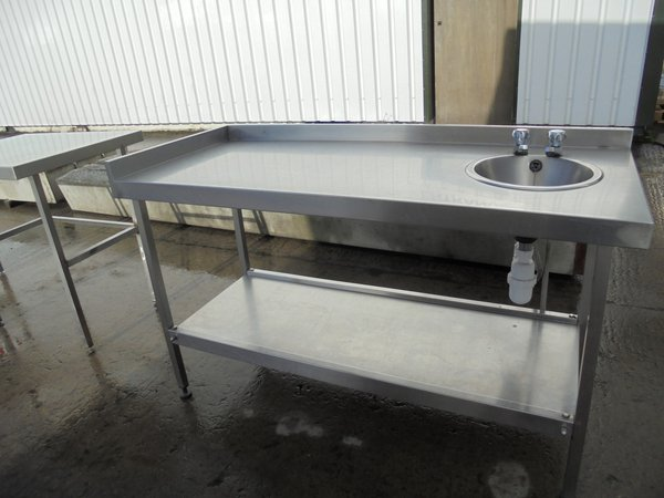 Stainless steel table with small sink