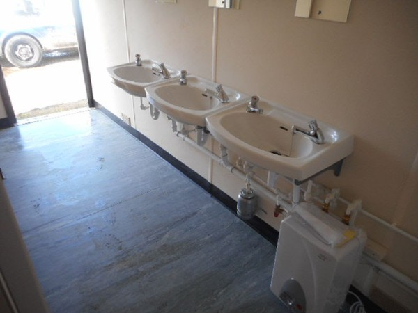 4 + 3 toilet block for sale