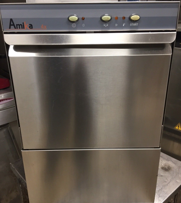 Commercial undercounter glasswasher