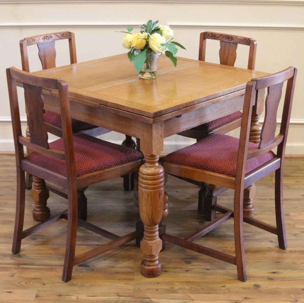 Oak Wood Table And Chairs: Secondhand Chairs And Tables