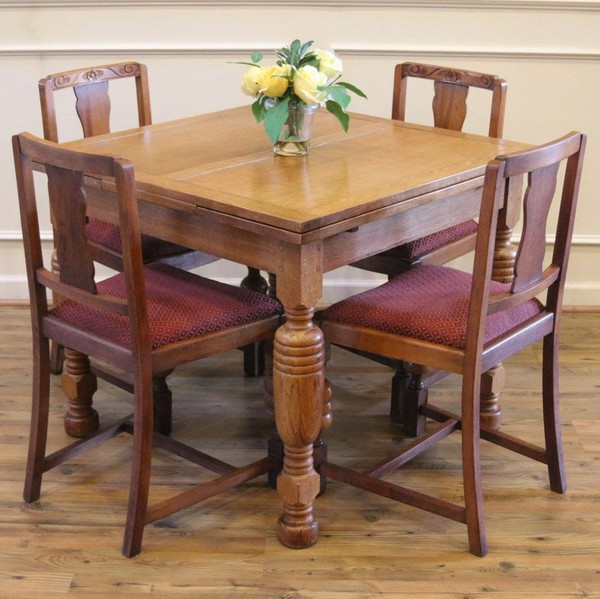Secondhand oak furniture