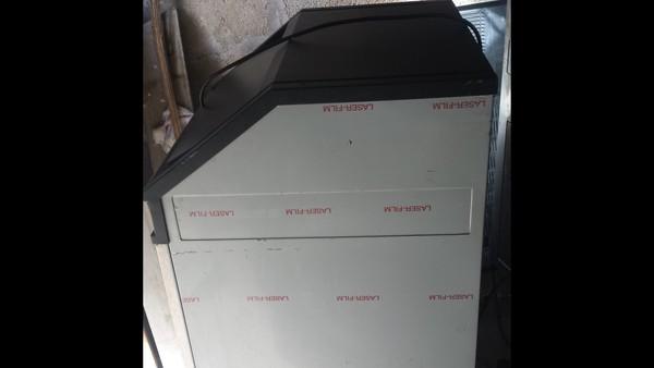 Ice flaker machine
