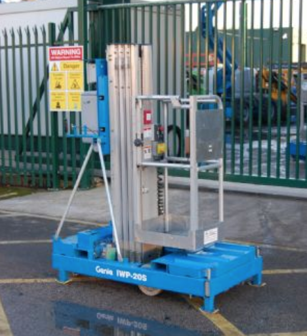 Secondhand mast lift for sale