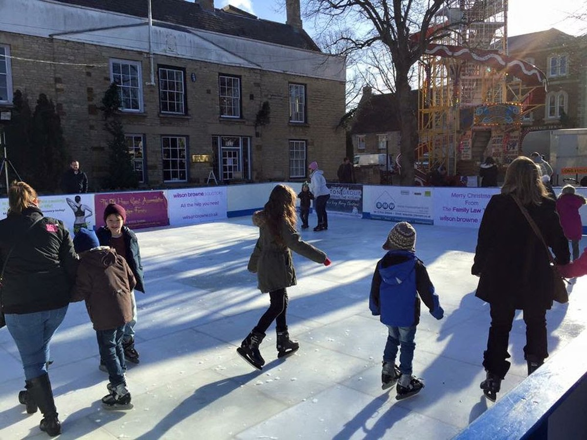 Ice Rink Equipment | Synthetic Ice Rinks | Mobile ...