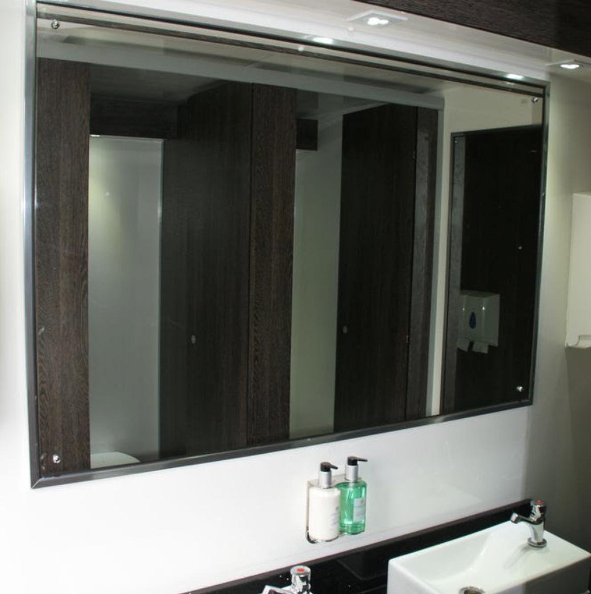 Secondhand Toilet Units 3 1 Toilet Trailers
