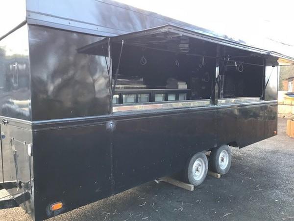Mobile bar trailer