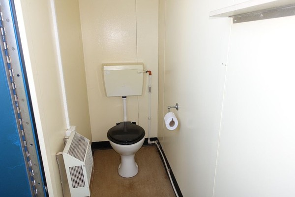 Secondhand Toilet cabin